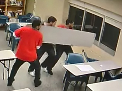 3 Ohio Inmates Bust Out Of Jail By Smashing Window With Folding Table 🔥😈✅