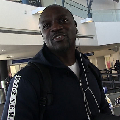 Akon Claims He Could Have Restored Power in Puerto Rico Months Ago ✊✊✊