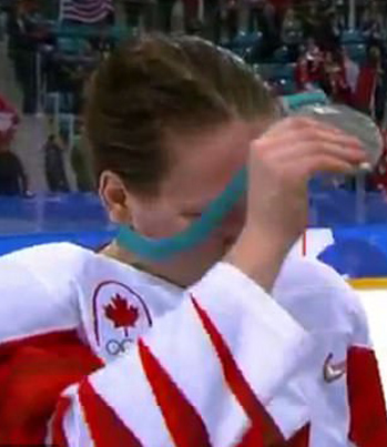 Salty ASF: Canadian Hockey Player Refuses To Have A Silver Medal Around Her Neck 😭😭😭