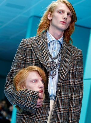 GUCCI Models Walk Runway With 'SEVERED Heads' 😈😈😈