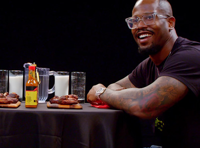 NFL Player Von Miller Geeks Out Over Spicy Wings 😫🙃👍