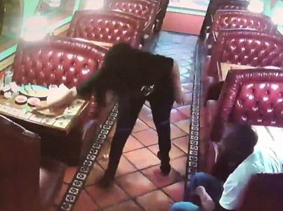 Lowest Of The Low: Couple Steal Waiters $20 Tip Off Table