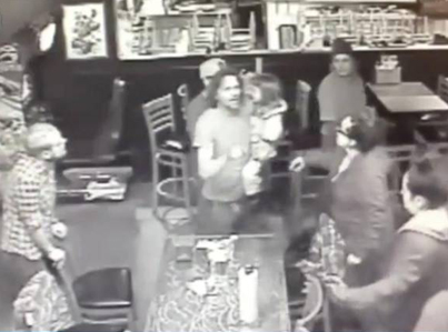 Wasteman Gets Into A Bar Fight While Holding His 4-Year-Old Daughter 💊💉😳