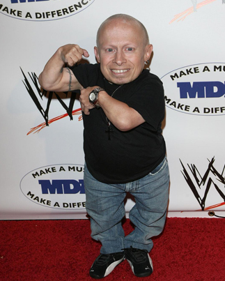 """RIP Verne Troyer: Actor Best Known As """"Mini-Me"""" Passes Away At Age 49 😢🙏🏼"""