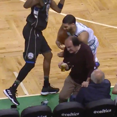 Celtics Fan Was Determined To Not Lose His Beer 😛😛😛