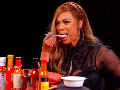 Tyra Banks Cries For Her Mom While Eating Spicy Wings 😂😭