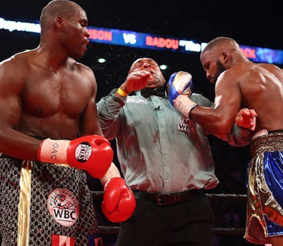 Ref Got Popped In The Face During WBC Light-Heavyweight Title Fight 😲😲😲