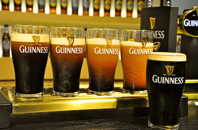 The Right Way To Pour Guinness 👍😎👉🍺