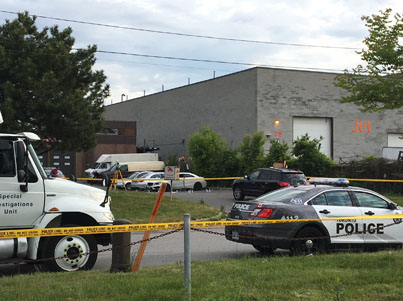 Man Shot Dead After Police Shoot-Out At Local Bar In Scarborough 😵😵😵