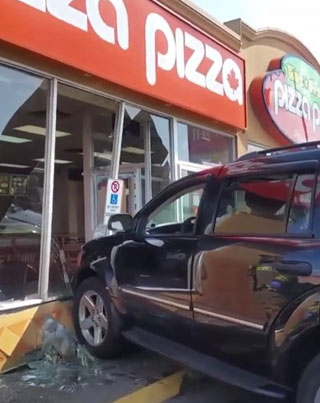 PIZZA PIZZA DRIVE-IN SPECIAL 😂😂😂