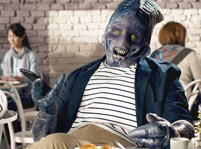 Alien Learns How To Talk With Humans In Babbel's New Ad Campaign 😂😂😂