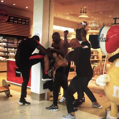 Fight Kicks Off At Paris Airport Between Two French Rappers Booba & Kaaris 😵😵😵
