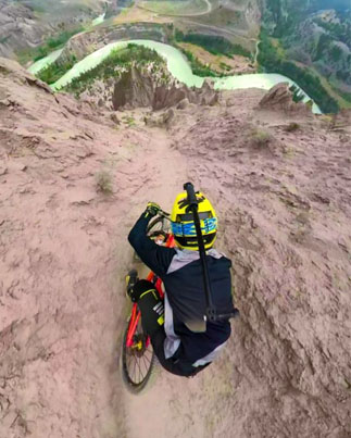 French Freeride God Sends It Down A Terrifying Canyon In Canada 🤘🔥🔥🔥