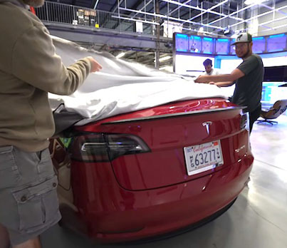 Unbox Therapy Gets Their Hands On A Brand New Tesla Model 3 🚗🔥👍