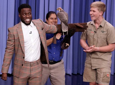 Kevin Hart Freaks Out Over 14-Year-Old Robert Irwin's Animals 😂😂😂