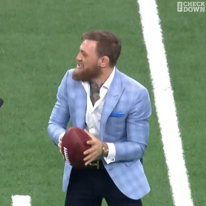 The Irish Whip: Conor McGregor Throws Like A Likkle Bitch 😂😂😂🔴👑