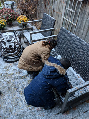 Refugee Children Experience Their First Snowfall In Toronto ❄️❤️🇨🇦🔴👑