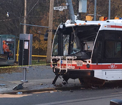 TTC Bus With Passengers On Board Crashes Into Pole 👀😳