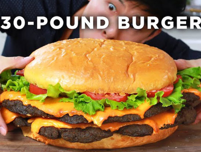 Man With Serious Munchies Assembles A 30-Pound Burger 😋🍔🍟🔴👑