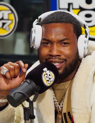 """Meek Mill Spits A Freestyle Over Drake's """"Back To Back"""" With Funk Flex 🏆🏆🏆🔴👑"""