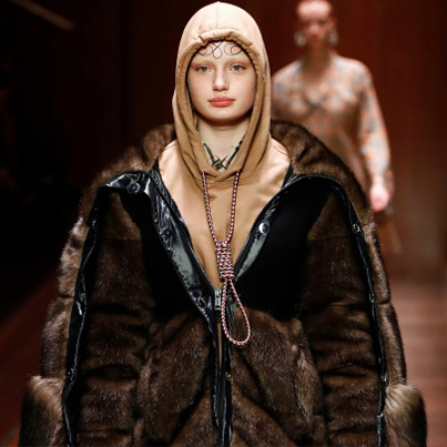 Burberry Apologizes After Model Wears Hoodie With Noose-Like Drawstring 😤😤😤