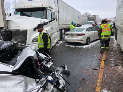 Crazy Aftermath Footage Of A 20-Vehicle Crash On Hwy. 401 Near Milton  😱👀🔴👑