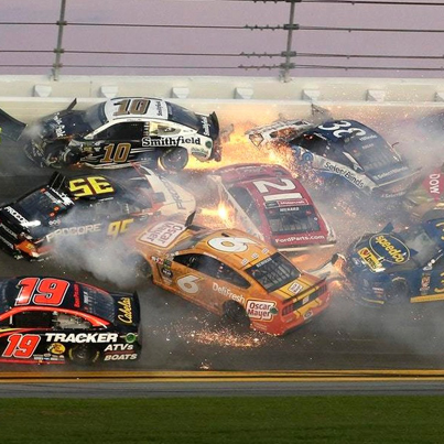 Massive Crash At The 2019 Daytona 500 Takes Out 21 Cars 😱👀🔴👑