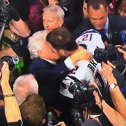 Tom Brady And Robert Kraft Kiss On The Lips After Super Bowl Win 😂😩🏈🔴👑