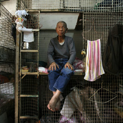 Inside Hong Kong's Cage Homes (Documentary) 😥🏠🇯🇵