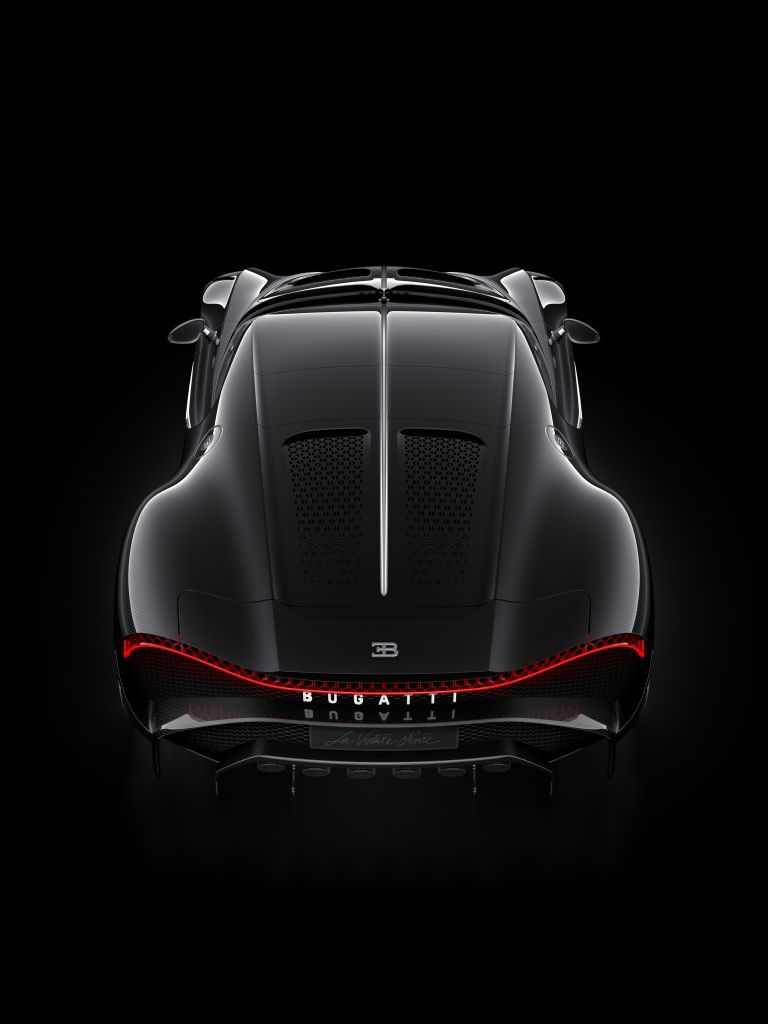 "Bugatti's Latest Masterpiece Is The $18M ""La Voiture Noire"" 💰👀🔴👑"