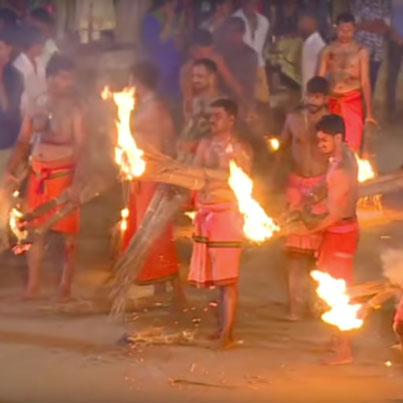 Torch-Wielding Pakoras Try To Set Each Other Ablaze To Appease Hindu Goddess 🏹🔥