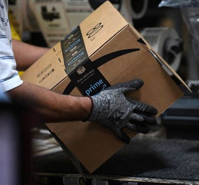 Amazon Offers Its Employees $10K To Quit & Start Their Own Local Delivery Services 🤑👷📦