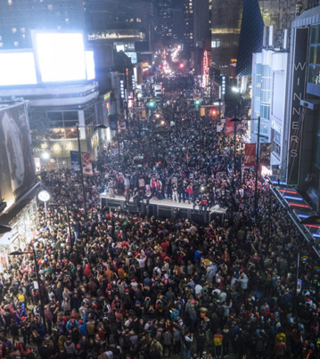 Dope Aerial Footage Of Yonge & Dundas After Raps Win 🇨🇦🏆