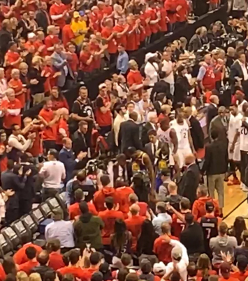 Raptors Fan Show KD Respect As He Heads Off The Floor With An Injury 🙏🏆🇨🇦🔴👑