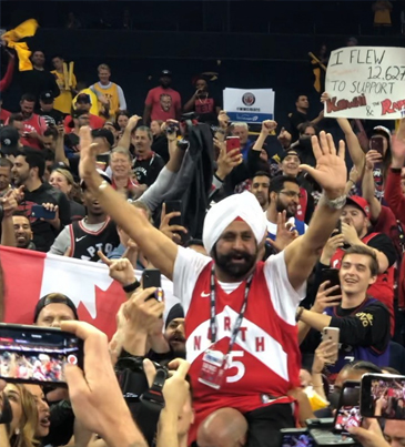 The Raps Gotta Let My Guy Nav Bhatia Hold That Trophy When Manz Win 🇨🇦🏆🔴👑