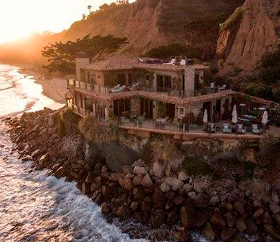 Inside A $35M Malibu Home With 2 Private Beaches 😳😨😱