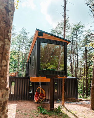 Airbnb This Luxury Cabin Made Of Shipping Containers 💚🏡💚